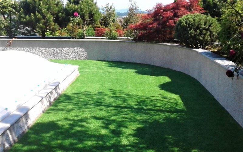 Umetna trava